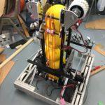 製作中のロボット
