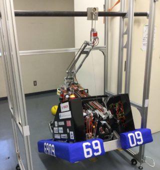 ハングしているロボット
